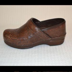 Dansko Brown Tool Leather Slip on Clog 38 (7.5-8)
